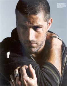 Matthew Fox - Lost in .sorry lost my train of thought Matthew Fox, Pretty People, Beautiful People, Amazing People, Lost Tv Show, Avatar, Great Tv Shows, Man Crush, Gorgeous Men