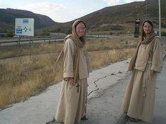 Monjas del Oasis de Jesús Sacerdote, instituto que usa los libros litúrgicos tradicionales.