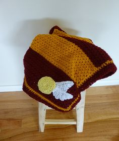 Crochet Harry Potter baby blanket, Gryffindor baby blanket, Golden snitch by KitschyHoneybees on Etsy