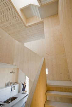 Good wood - less is definitely more in this Scandinavian styled house in Amsterdam. The 'Houten Herenhuis' or 'Wooden House' in English by local studio MAATworks. Timber Stair, Timber House, Wooden House, Scandinavian Style, Scandinavian Architecture, Wabi Sabi, Narrow House Designs, Wood Facade, Amsterdam Houses
