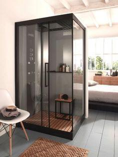 L'implantation Dans cette chambre, la cabine de douche est implantée comme le serait une armoire. Ici l'espace de la chambre est totalement préservé. Cette salle d'eau d'appoint sait se faire ... #maisonAPart