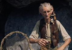 'The BFG' Review: Steven Spielberg, Disney & Roald Dahl Combine For A Giant Of A Family-Friendly Movie