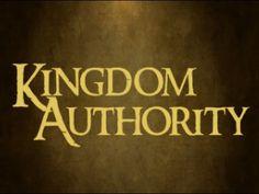 Exercising the Authority / Ejercitando la Autoridad