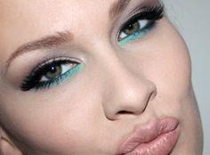 green eyeliner