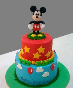 Fondant Mickey Mouse Cakes http://www.auntylee.com/fondant-cakes-design/page/5