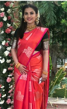 Wedding Hairstyles Simple Casual 17 Ideas for saree Wedding Hairstyles Simple Casual 17 Ideas Saree Hairstyles, Wedding Hairstyles, Casual Hairstyles, Hairstyle Ideas, Indische Sarees, Engagement Saree, Pattu Saree Blouse Designs, Wedding Saree Collection, Simple Blouse Designs