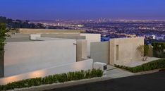 la-homes-view-mcclean-design-7-hollywoodhills.jpg