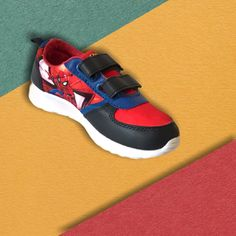 Let your Child enjoy a childhood full of fun with a perfect flexible trainer with Spider man decoration and Soft cushion protecting the foot. Nike Huarache, Spiderman, Trainers, Cushion, Childhood, Sneakers Nike, Marvel, Decoration, Children