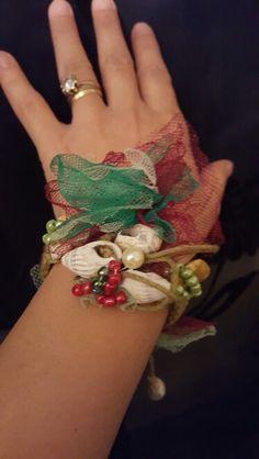 Handmade Jewellery, Christmas Wreaths, Holiday Decor, Handmade Jewelry, Handmade Ornaments