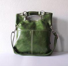 Olive green leather handbag / shoulder bag / purse door artoncrafts