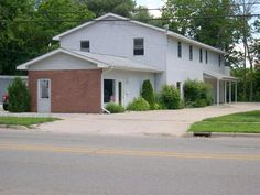 TECUMSEH, MICHIGAN ~ 4900 SQ FT HOME & COMMERCIAL SPACE ~ ONLINE R... - LASTBIDrealestate.com