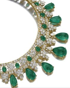 Diamond And Emerald Necklace Mounted In Gold