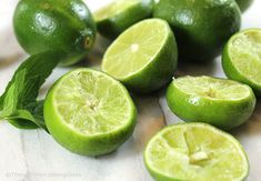 Old Fashioned Fresh Squeezed Limeade Recipe: lime juice combines w/sugar in this easy recipe for a refreshingly sweet tart summer sipper for all to enjoy! Spagetti And Meatball Recipe, Baked Meatball Recipe, Meatball Recipes, Meatball Soup, Fresh Limeade Recipe, Old Fashioned Key, Lime Desserts, How To Cook Meatballs, Eggless Baking