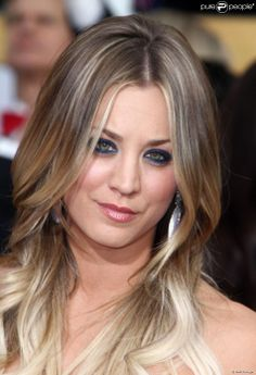 Edgy, yet classy, blonde ombre (blombre?)- a hard thing to pull off but #kaleycuoco seems to have done it