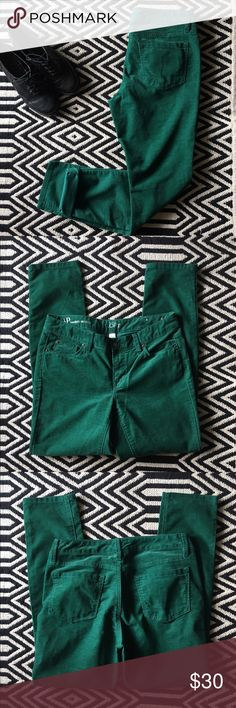 LOFT modern skinny green corduroy pants Excellent condition. LOFT corduroy pants. Size 4P. Fit: modern skinny. Color: green. 70% cotton, 28% polyester, 2% spandex. Measurements pictured. LOFT Pants Skinny