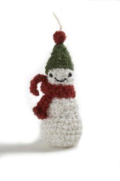 Amigurumi Snowman Ornament Easy Lion Brand Yarn FREE