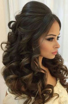 Retired curls hairstyles and style ideas for women with long curls … - Lange Haare Ideen Wavy Wedding Hair, Wedding Hairstyles For Long Hair, Wedding Hair And Makeup, Curled Hairstyles, Bride Hairstyles, Bridal Hair, Cool Hairstyles, Hairstyle Ideas, Hair Ideas