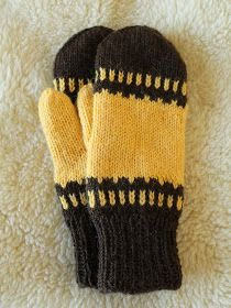 Knitted Mittens Pattern, Knit Mittens, Knitted Gloves, Knitted Dolls, Knitting Socks, Knitting Patterns, Finger Knitting, Knitting For Kids, Cute Crochet
