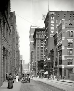 Pittsburgh, Pennsylvania - Sunday shopping on 5th Avenue  1908