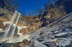 Ice from the mist  #liveyouradventure #20two19 #dundasont #dundasvalley #dundasontario #exploreontario #ontario_ca #DiscoverON #torontoclicks #outerwhere #outerwear #eddiesetgo #travelblog #bigoutdoors #adventure #captureonepro #lifestyleblog #travelphotography #wanderlust #lifestyle #fitness #wonderful_places #discovercanada #outdoors #active #sonya7lovers #myhamilton #waterfalls #waterfall