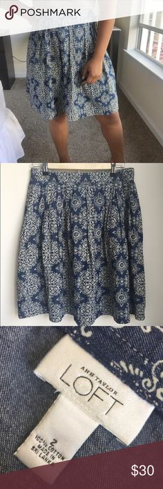 ANN TAYLOR LOFT Pleated Medallion Print Skirt Ann Taylor Loft denim skirt with off-white print. Waist is approximately 13 inches across, length is approximately 21 inches. 100% cotton. Zips and has two metal snap buttons on the side. Could also possibly fit a size 4. LOFT Skirts