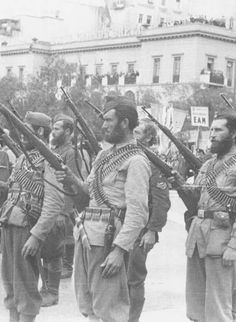 Greek People's Liberation Army. Greece Pictures, Old Pictures, Old Photos, Greek Independence, Greece Photography, Military Branches, Greek History, In Ancient Times, War Machine