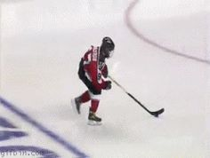 Amazing Hockey Shot [Gif] http://www.chaostrophic.com/