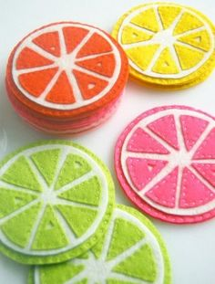 Citrus Coasters from The Purl Bee: this I will be making these at home to entertain myself! DIY projects are always fun to do. Sewing Tutorials, Sewing Crafts, Sewing Projects, Diy Projects, Sewing Ideas, Cute Coasters, Felt Coasters, Purl Bee, Felt Diy