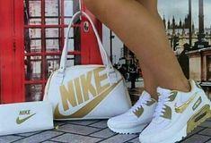 Amazing Handbags and shoe styles to copy Sneakers Fashion, Fashion Shoes, Adidas Fashion, Nike Shoes, Shoes Sneakers, Jordan Sneakers, Shoe Boots, Shoe Bag, Hot Shoes