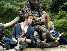 """Robert Pattinson and Ruby Jerins in """"Remember Me"""" (2010)"""