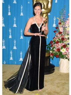 100 Most Iconic Celebrity Dresses of All Time - Red Carpet Dresses-JULIA ROBERTS-The Academy Awards, 2001- Get style inspiration from our selection of celebrity red carpet looks at redbookmag.com.