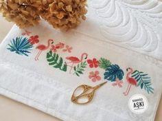 Beaded Cross Stitch, Cross Stitch Flowers, Cross Stitch Designs, Cross Stitch Patterns, Crochet Border Patterns, Embroidery Motifs, Bargello, Needlework, Arts And Crafts