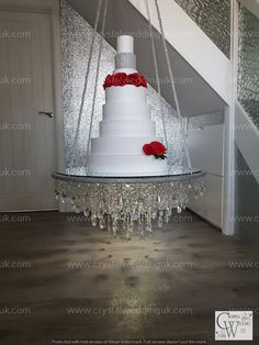 Suspended chandelier cake platform  mirror top +remote controlled  LED Extravagant Wedding Cakes, Elegant Wedding Cakes, Diy Wedding, Rustic Wedding, Dream Wedding, Suspended Wedding Cake, Chandelier Cake Stand, Wedding Cakes With Cupcakes, Cake Trends