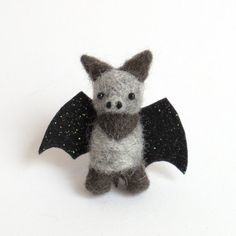 Felt animal brooch: mini FUZZ bat pin - gray and black