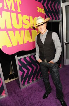 Dustin Lynch at the 2012 CMT Music Awards @CMT (Getty Images)