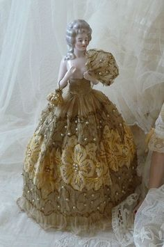 RARE ANTIQUE BOUDOIR DOLL HALF DOLL PORCELAIN LACE FASHION DOLL PARIS