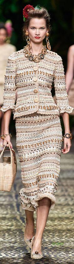 Shared dreams: Dolce & Gabbana 2020 Shared dreams: Dolce & Gabbana 2020 Record of Knitting Yarn rotating, weaving and sewing jobs such as for instance B. Fashion 2020, Runway Fashion, Boho Fashion, Fashion Show, Womens Fashion, Fashion Design, Crochet Bolero, Knit Crochet, Moda Crochet