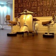 Vespa table and chair set, lovely…