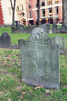 Puritan Skull and Crossbones gravestone - Boston, Massachusetts