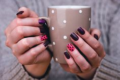 The thing that matters is how you easy nail art designs designs them to make them pretty. Nails are the unenthusiastic foundation of your attractiveness. Remove Acrylic Nails, Acrylic Nails At Home, Purple Nail Polish, Purple Nails, Gel Manicure At Home, Diy Nails, Nails 24, Simple Nail Art Designs, Easy Nail Art