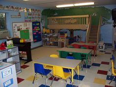 LOVE the loft in this classroom! Someday I will have one...