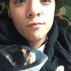 """155.6 mil curtidas, 832 comentários - Amber J. Liu 刘逸云 (@ajol_llama) no Instagram: """"Sorry i havent been spending more time with u buddy. Listen to the aunties while im gone.…"""""""