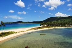 Is that a beach? Nope -- a double beach! And we're doubly proud of these twin beaches in El Nido, Palawan. Named Nacpan and Calitang, visitors will definitely have twice the fun! Photo Courtesy :  https://www.flickr.com/photos/54094517@N08/8737631674/?utm_content=buffercd144&utm_medium=social&utm_source=pinterest.com&utm_campaign=buffer #Itsmorefuninthephilippines