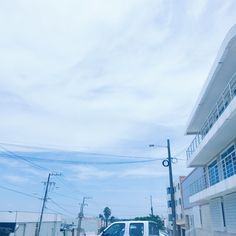 The sky in my hometown ☁️ Blue Aesthetic Tumblr, Light Blue Aesthetic, Blue Aesthetic Pastel, Rainbow Aesthetic, Aesthetic Photo, Aesthetic Pictures, Blue Neighbourhood, Cute Pastel Wallpaper, Minimalist Architecture