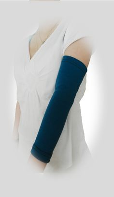 PICC LINE COVER - Lyme disease? diabetes? Keep your picc line safe and secure with PICC Cover Fashions TM armband sleeve.  Shown in 'Teal' in the full arm style.