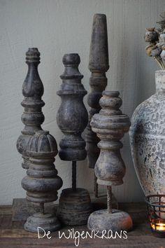 Oud houten ornament, verschillende modellen Pallet Crafts, Wood Crafts, Rustic Decor, Farmhouse Decor, Decorative Corbels, Bleak House, Wood Turning Projects, Decor Crafts, Home Decor