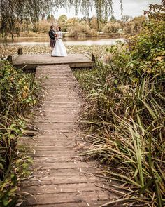 awesome vancouver wedding Back to fall when these two got hitched! #vancity #vancouver #eastvan #troutlake #photographer #colebayfordmedia #wedding #classic by @cbayford  #vancouverwedding #vancouverwedding