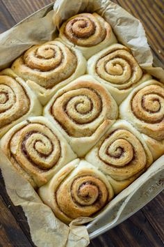 Serves: 9 Ingredients 2 and ¾ cups all-purpose flour 3 Tablespoons granulated sugar 1 teaspoon salt 1 package instant yeast packet = 2 and ¼ teaspoons) ½ cup water ¼ cup milk 2 Tablespoons unsalted butter 1 large egg Filling: ¼ cup stick) unsalted Quick Cinnamon Rolls, Cinnamon Rolls From Scratch, Cinnamon Bun Recipe, Vegan Cinnamon Rolls, Baking Recipes, Cookie Recipes, Dessert Recipes, Desserts, Bisquick Recipes