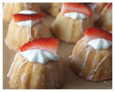 mini lemon bunt cakes. For 12 mini bunt pan, bake 350 degrees for 15-20 min or until toothpick inserted in the center comes out clean.