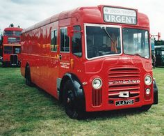 London Transport, Public Transport, Vintage Trucks, Old Trucks, London Underground Train, Rt Bus, London Red Bus, Blue Bus, Routemaster